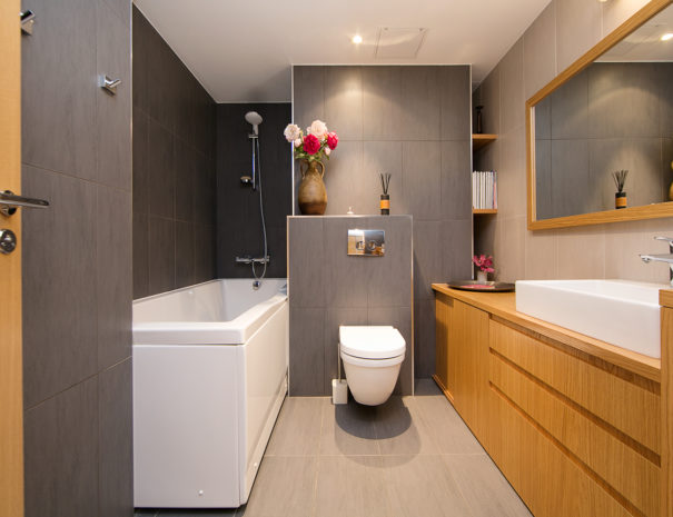 2.Dream Stay - Sunset Balcony Apartment with Bath
