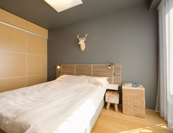 4.Dream Stay - Sunset Balcony Apartment with Bath
