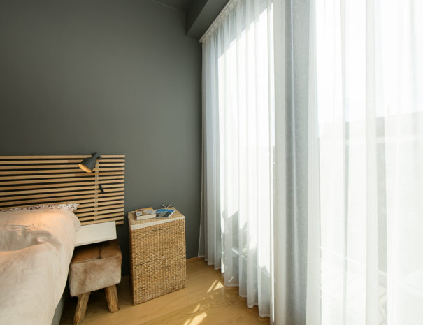 5.Dream Stay - Sunset Balcony Apartment with Bath