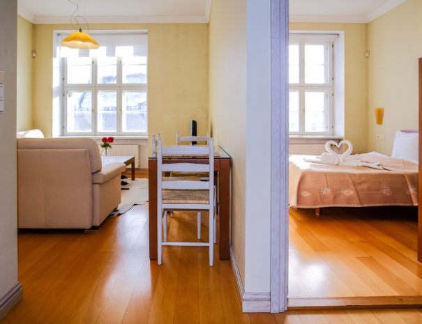 5. Dream Stay - Town Hall Square View Apartment with Sauna