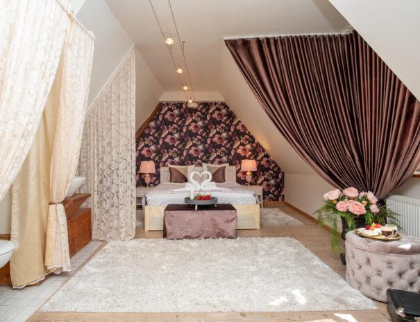 2Dream Stay - Rataskaevu Boutique with Balcony _ Fireplace