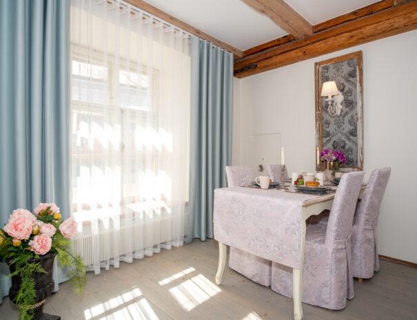 9Dream Stay - Rataskaevu Boutique with Balcony _ Fireplace
